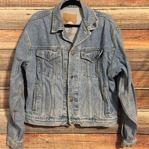 Vintage gap medium wash denim jacket